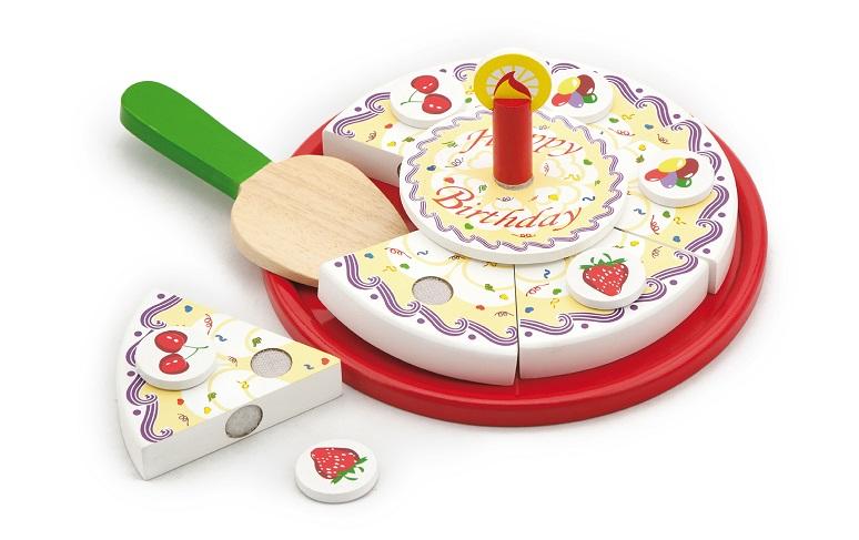 Drewniany tort do krojenia